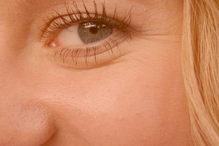 Как избавиться от морщин под глазами в домашних условиях