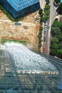 самый высокий искусственный водопад