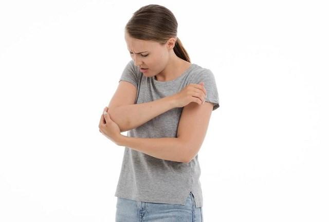 Боль в локтевом суставе правой руки