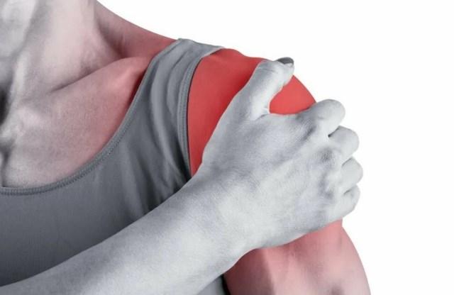 сильная боль в плечевом суставе руки