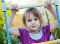 Как успокоить активного ребенка