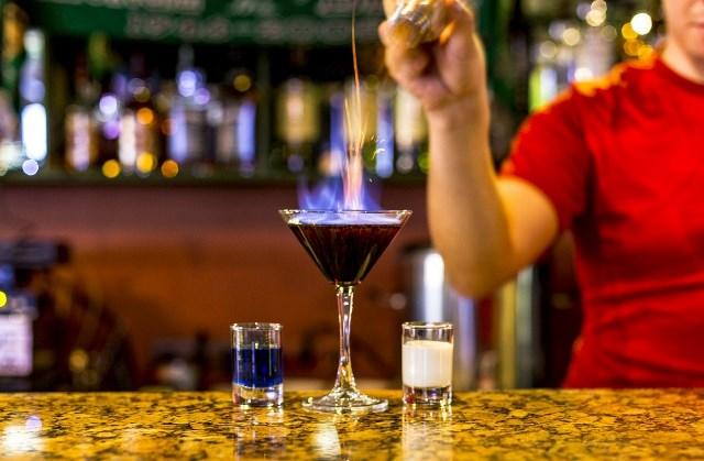 бармен это кто